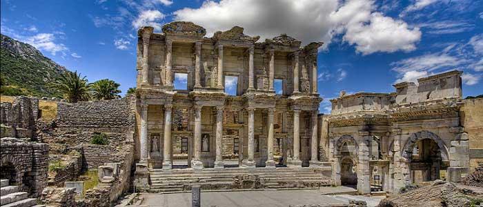 Efes Antik Kentinde Yaşam Nasıldı?