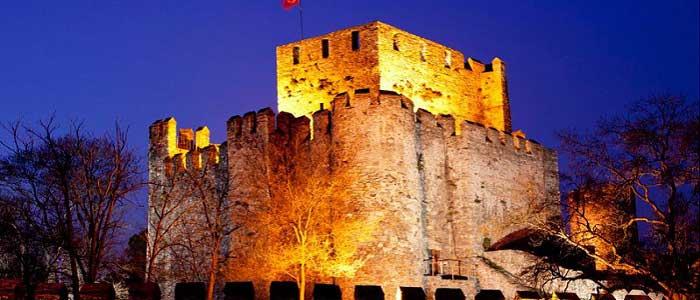 Anadolu Hisarı'nın Mimarisi