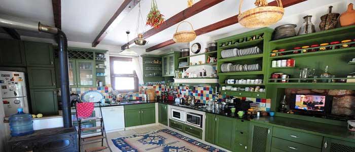 Bohem Tarzı Dekore Edilmiş Mutfak
