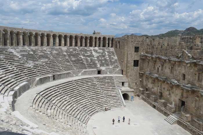 Aspendos Antik Kenti Tarihi : Aspendos antik kenti tiyatrosu hakkında bilgiler nerededir
