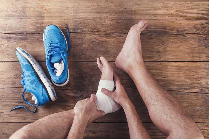 Topuk Dikeni Nedir? Nedenleri, Belirtileri, Korunma Yolları ve Tedavisi