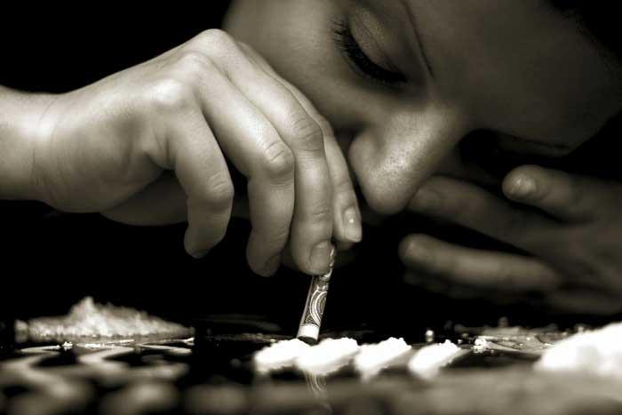 Kokain Nedir? Tarihçesi, Kullanım Alanları ve Zararları Nelerdir?