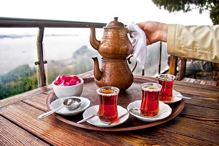 Sararmış Çay Bardakları Nasıl Temizlenir?