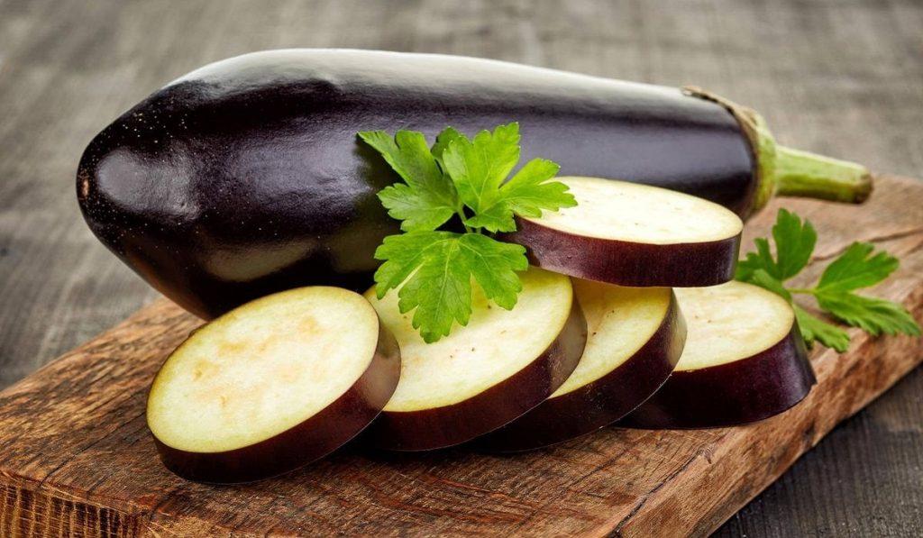 Patlıcan Nedir? Çeşitleri, Özellikleri ve Faydaları Nelerdir?
