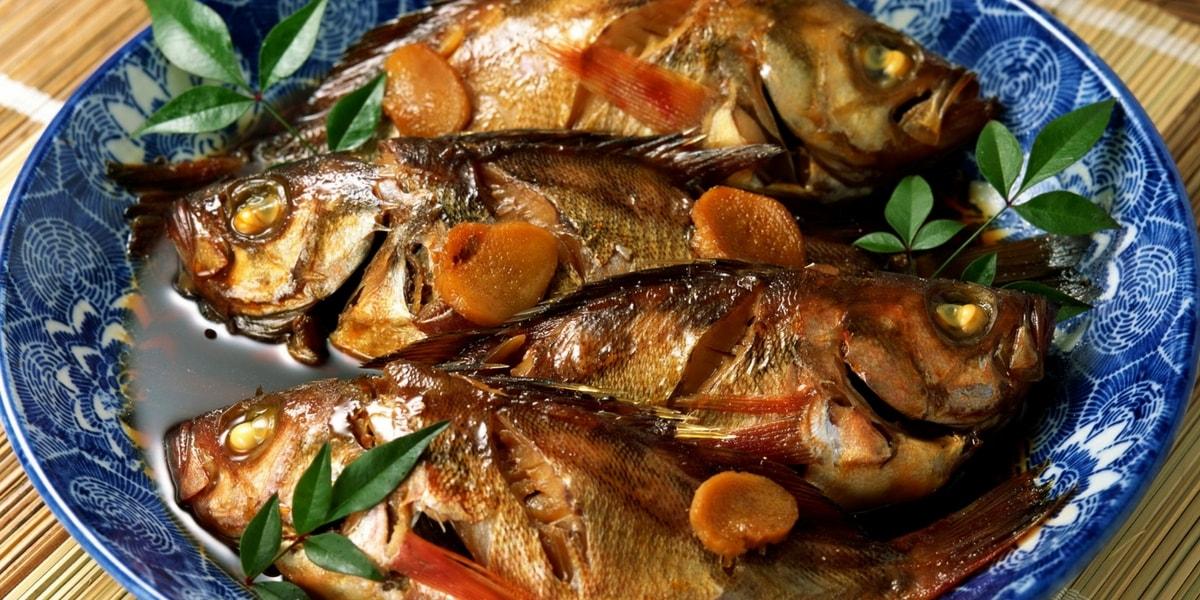 Bulaşıklardaki Balık Kokusu Nasıl Çıkar?