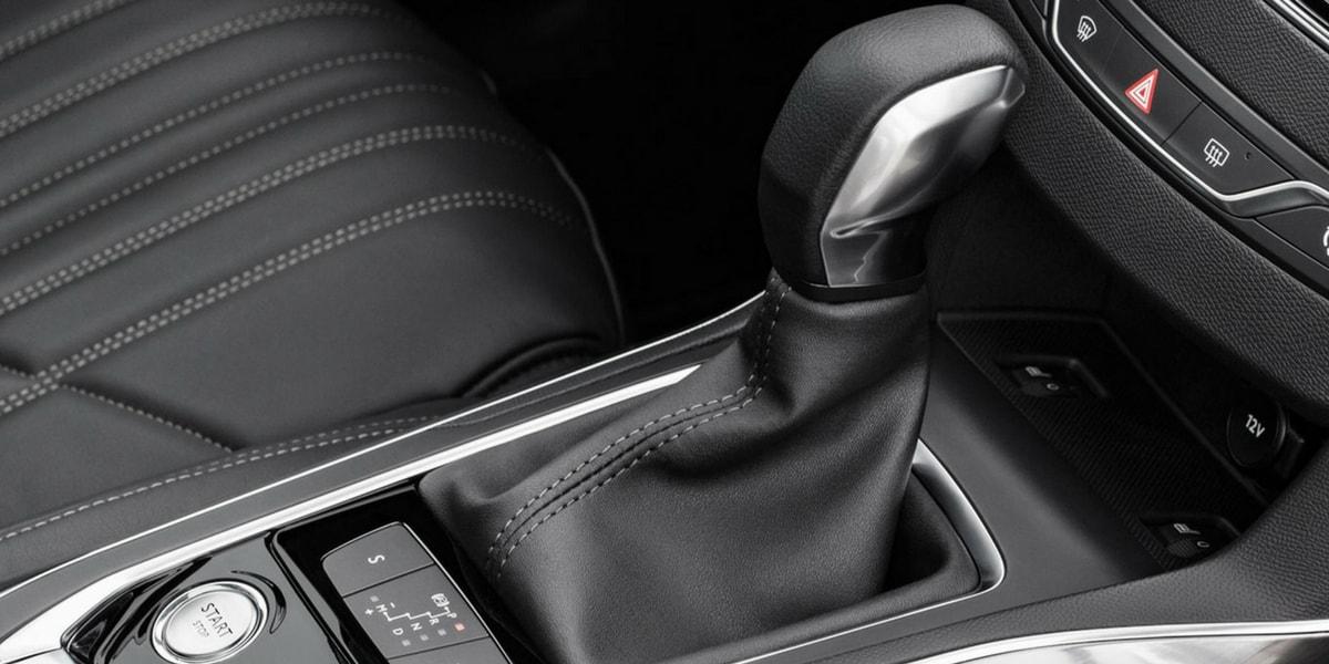 PureTech Motorlu Modellerde Hangi Şanzıman Kullanılıyor