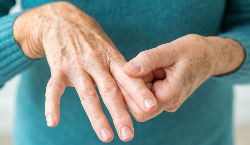 Romatoid Artrit Nedir? Nedenleri, Belirtileri, Korunma Yolları ve Tedavisi