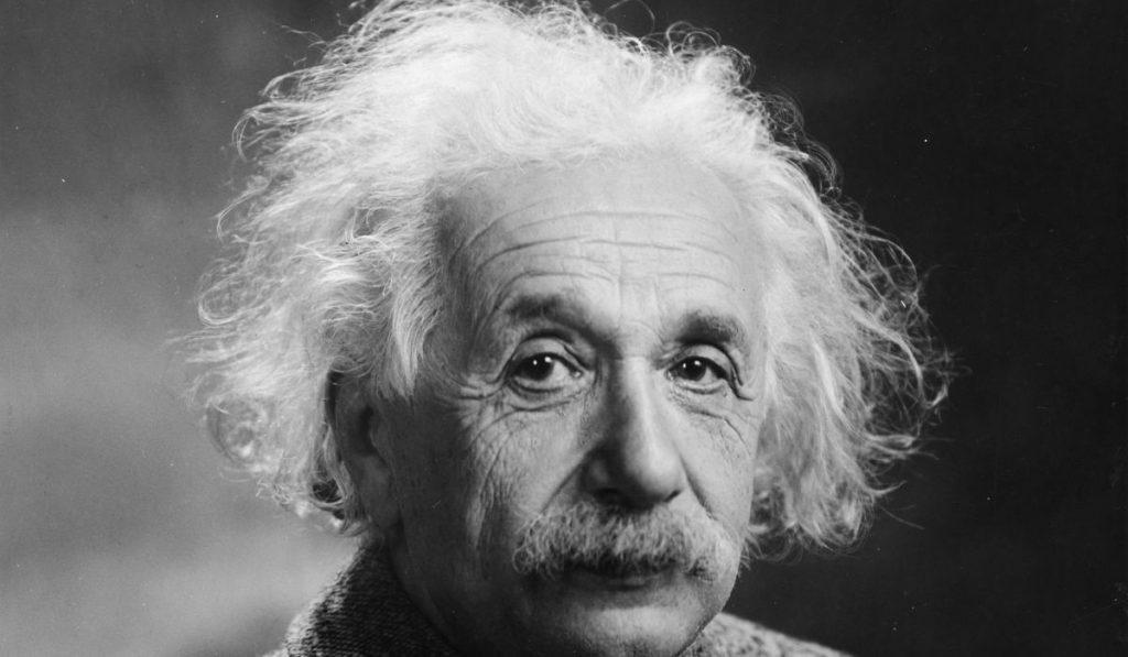 Albert Einstein Kimdir? Hayatı, Buluşları, Sözleri ve Hakkında Az Bilinenler